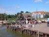 Buntes Treiben am Hafen in Zingst (1)